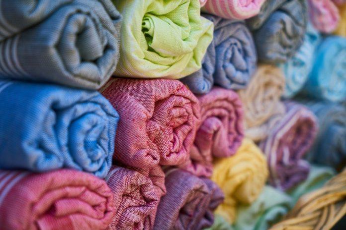 Tessuti per abiti estivi